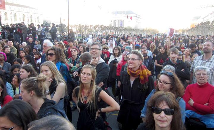 zombie_billion_crowd_2